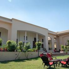 Hotel Rishi Regency in Niwar
