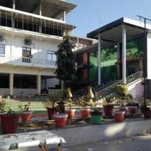 Hotel River View in Lambhua