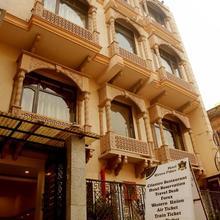 Hotel Rivera Palace in Varanasi