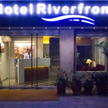 Hotel Riverfront in Ahmedabad