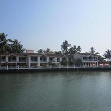Hotel Riverside in Arpora