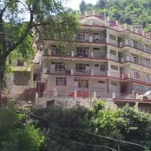 Hotel Rock N River in Kullu