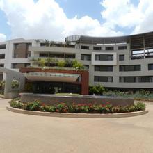 Hotel Rock Regency in Toranagallu