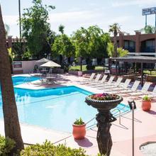 Hotel Rosedale in Bakersfield