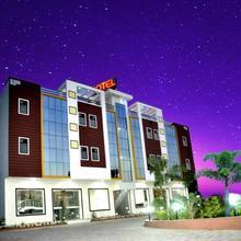 Hotel Royal Celebration Inn in Dhanakya
