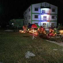 Hotel Royal Green in Uttar Latabari
