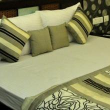 Hotel Royal Mirage in New Delhi