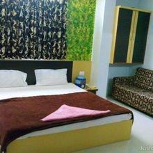Hotel Royal Plaza in Nananpur