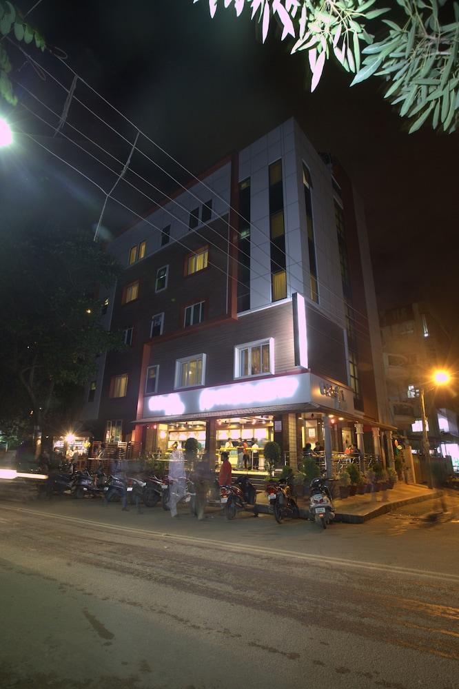 Hotel Royal Shades in Bengaluru