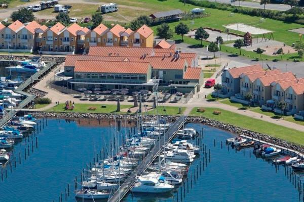 Hotel Rudkøbing Skudehavn Apartments in Spodsbjerg
