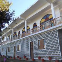 Hotel Rudraksha Palace in Kausani