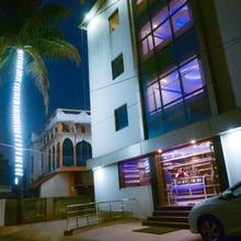 Hotel S G International in Bansjora