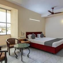 Hotel Saaket Residency in Rasapudipalem