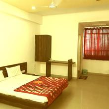 Hotel Sagar Palace in Gandhinagar