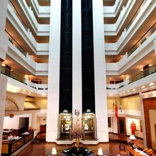 Hotel Sagar Plaza City Centre in Phursungi