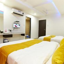 Hotel Sai Bansi in Puntamba