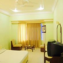 Hotel Samdareeya in Madan Mahal