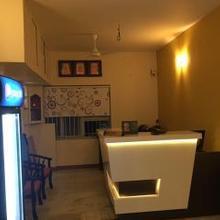 hotel sanass inn in Pooluvapatti