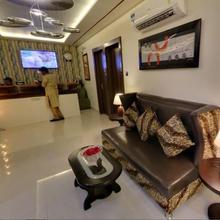 Hotel Sandalwood Bhopal in Havana