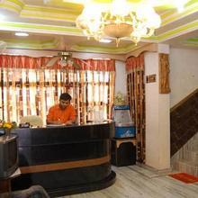 Hotel Sanskar in Mahadeo Hill