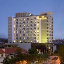 Hotel Santika Pandegiling - Surabaya in Surabaya