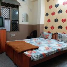 Hotel Santosh Raj in Kanpur