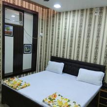Hotel Sarna in Lakhimpur