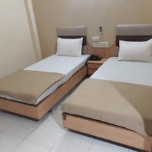 Hotel Sarvottam in Bavla