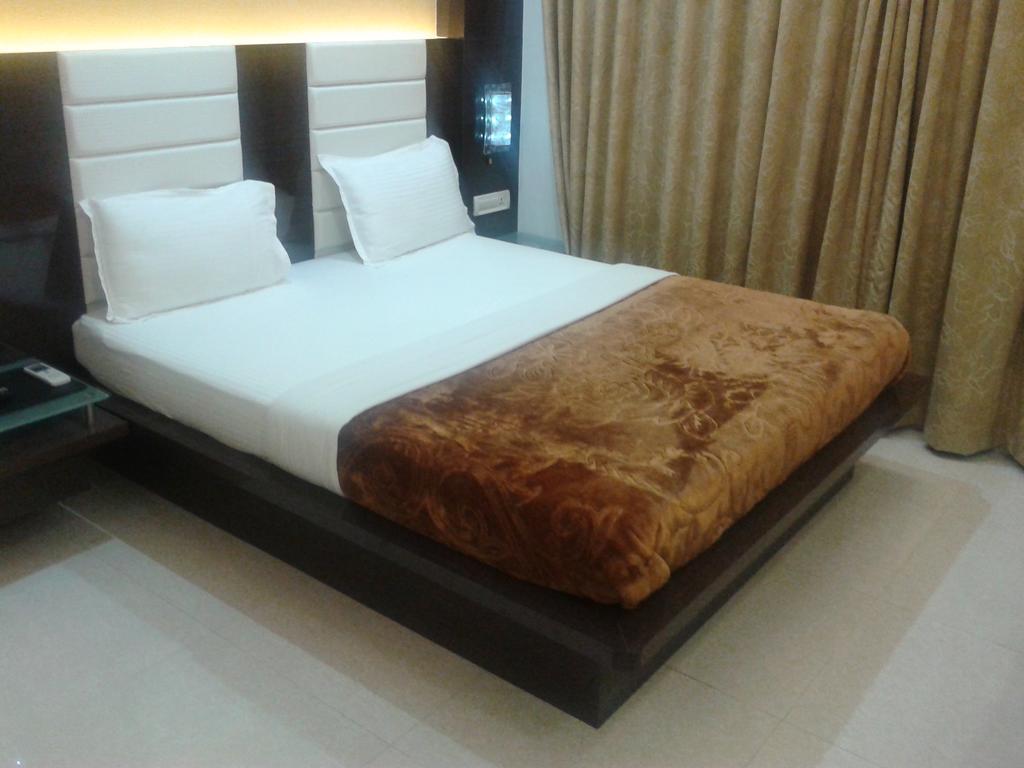 Hotel Sarvottam in Derol