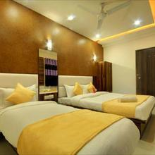 Hotel Satellite Inn in Sanand