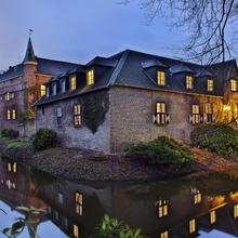Hotel Schloss Walbeck in Dusseldorf