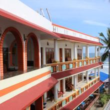 Hotel Sea View Palace - The Beach Hotel in Tiruvallam