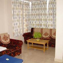 Hotel Selvies in Koothanallur