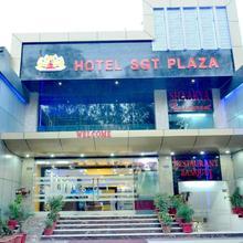Hotel Sgt Plaza in Kadipur