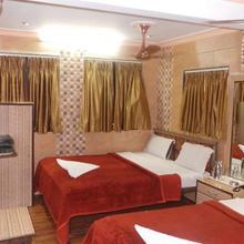 Hotel Shadab Palace in Nagaon
