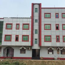 Hotel Shakuntala Palaces in Manpur