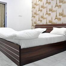 Hotel Shalimar Palace in Rae Bareli
