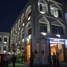Hotel Shehnai Garden in Sagar