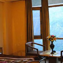 Hotel Shikhar in Badhun