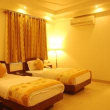 Hotel Shipra International in Dharoti Khurd