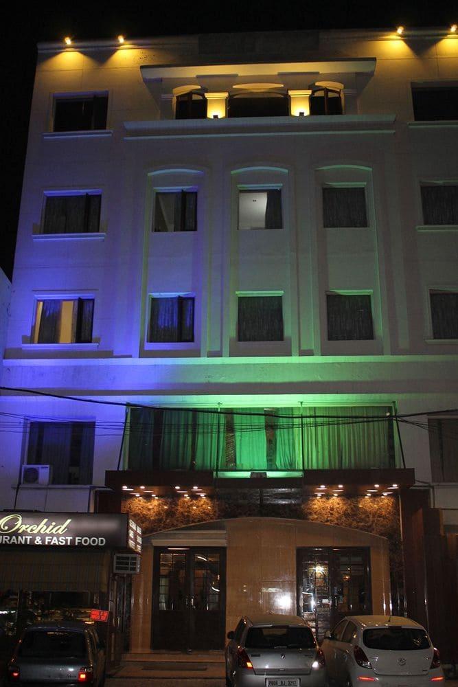 Hotel Shiraz Regency in Amritsar