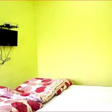 Hotel Shreni in Niwar