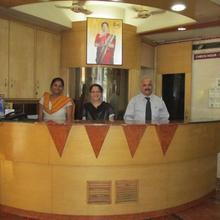 Hotel Shreyas in Kharakvasla