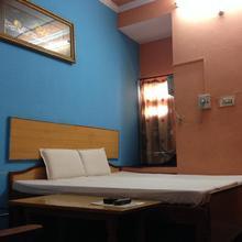 Hotel Shri Anand in Bhiwadi