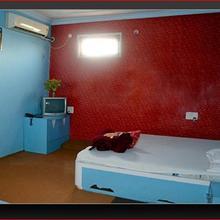 Hotel Shri Radha in Bina Etawa