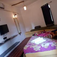 Hotel Shyam Farm in Bherala