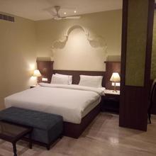 Hotel Shyam in Badhal