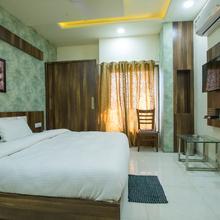 Hotel Silk in Mandideep