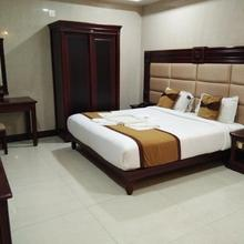Hotel Silver Star in Narasimharaja Puram