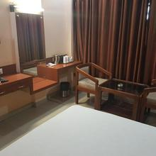 Hotel Simla in Baghdogra